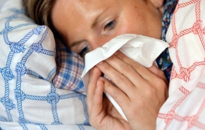 Желающим заболеть предложили платки с инфекцией