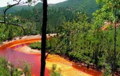 Как выглядит ядовитая Красная река в Испании (фото)