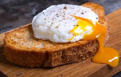 Səhər bişmiş yumurta yeməyin zərəri nədir? – MÜTƏXƏSSİSLƏR