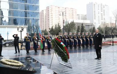Azərbaycan prezidenti İlham Əliyev Xocalı abidəsini ziyarət edib