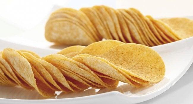 Десятилетняя девочка с полутора лет питалась только чипсами и хлебом с маслом