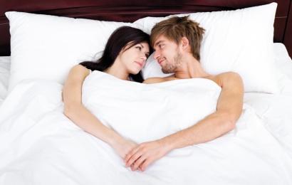 Seksdən sonra qucaqlaşmaq vacibdir: PSİXOLOQ