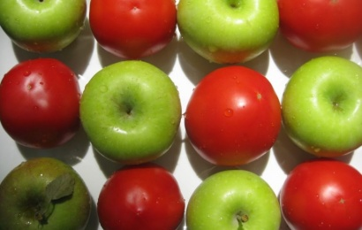 Alma və pomidorun siqaret çəkənlərə xeyri.